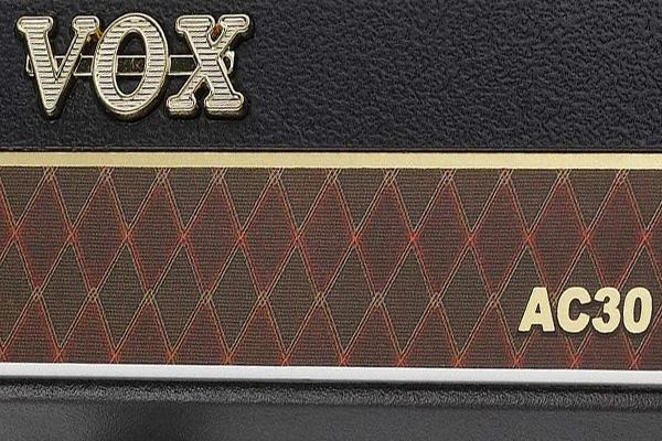 Vox AmPlug y AmPhone: La mejor solución de amplificador y auriculares para tocar en casa también en 2020